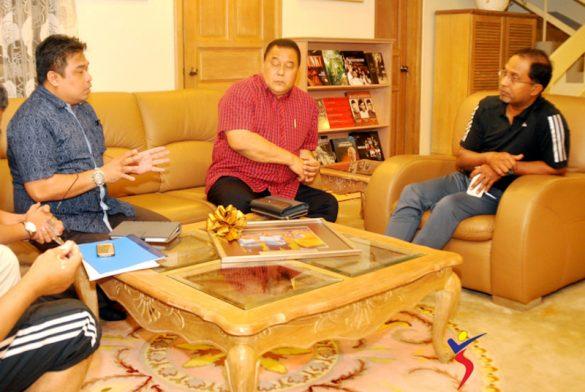 Kunjungan Hormat Warga YAKEB Bertemu Menteri Besar Perak
