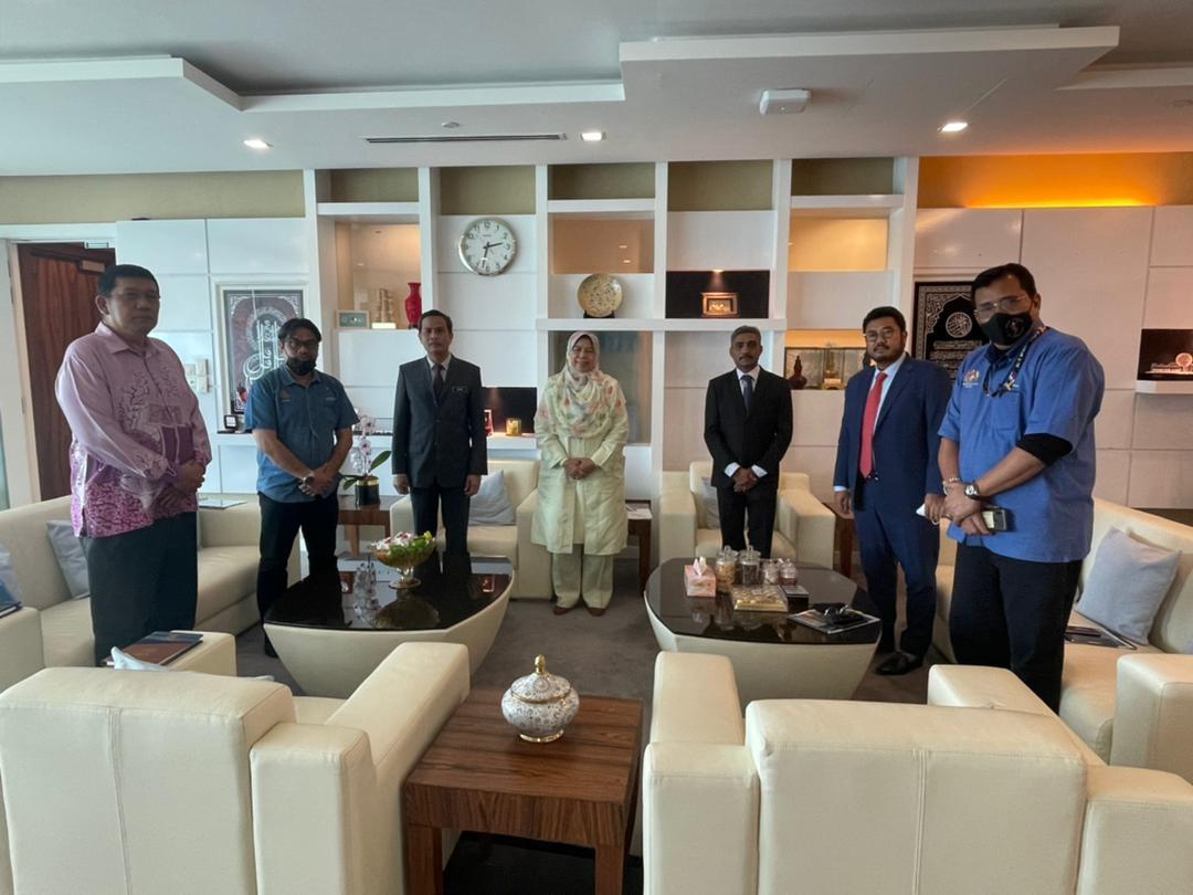 Program Kunjungan Hormat YAKEB Bertemu Menteri Perumahan dan Kerajaan Tempatan – YB Datuk Hajah Zuraida Kamaruddin